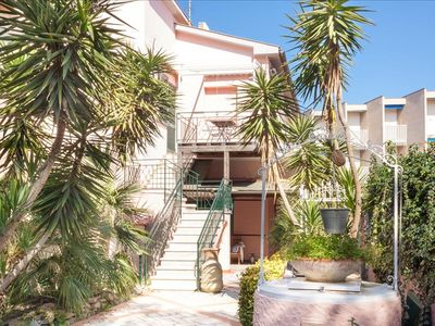 Photo for STUDIO APARTMENT 30 METERS AWAY FROM THE BEACH