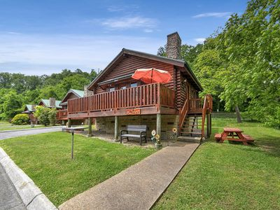 Photo for ****GREAT RATES****-Charming One bedroom LOG CABIN****FREE WIFI***HOT TUB