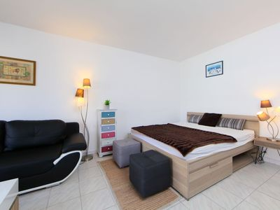 Photo for Apartment 1.2 km from the center of Cannes with Lift, Internet, Washing machine, Air conditioning (529431)