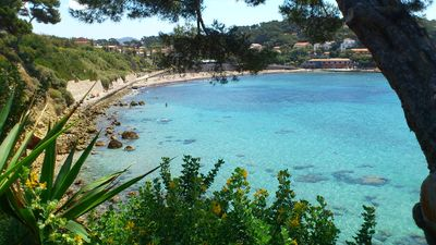 Photo for SANARY-SUR-MER VILLA IN QUIET- PORT-ISSOL BEACH 2 MINUTES AWAY-