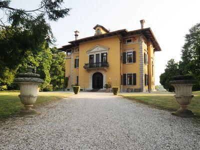 Photo for Wonderful home in well-kept park, magnificent view, for wine and good eat lovers