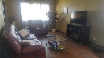 Renovated 3 bedroom home in central Winnipeg location