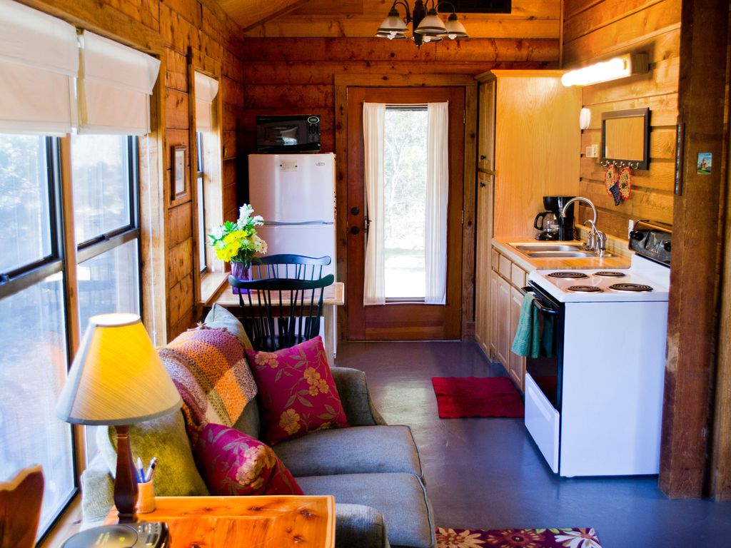 Romantic Log Cabin On Smith Creek Hot Tub Wimberley Texas