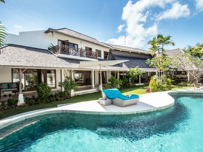 Photo for Miu, Spacious 4 Bedroom Villa, Near Eat Street Seminyak