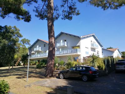 Photo for Peaceful duplex apartment next to the ocean with a double car park - 6 persons