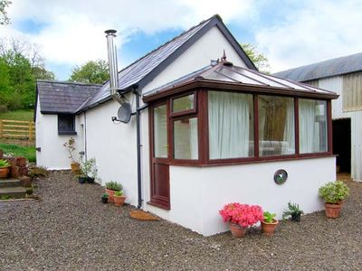 Photo for GWYNFRYN COTTAGE, pet friendly in Pencader, Ref 912385