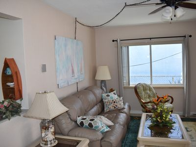 COZY AND CLEAN! BEACH APARTMENT AT THE HEART OF IT ALL ON CLEARWATER BEACH