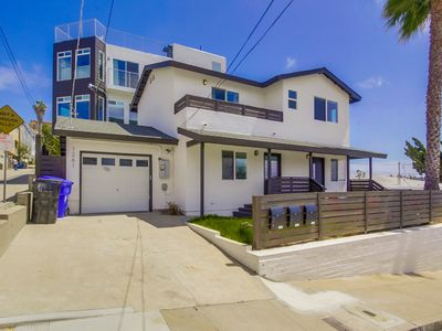 Stand Alone 4 Bedroom Bay Park Home, Newly Remodeled