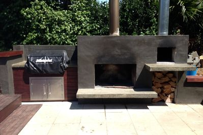 Fire Place and pizza oven