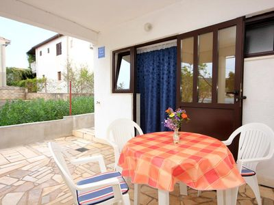 Photo for Studio flat near beach Vinišće, Trogir (AS-10006-a)