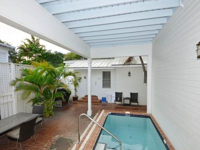 Photo for Studio condo w/ shared courtyard & pool - walk to everything - dogs welcome!