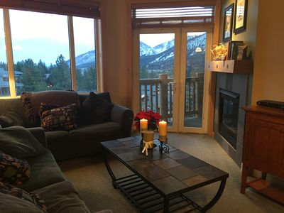 Comfortable living room with expansive views!