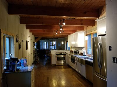 Beautiful Remodeled Vermont Home minutes to Mt. Snow. Wonderful for any season!