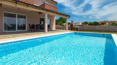 Photo for Lovely villa with private pool near Pula