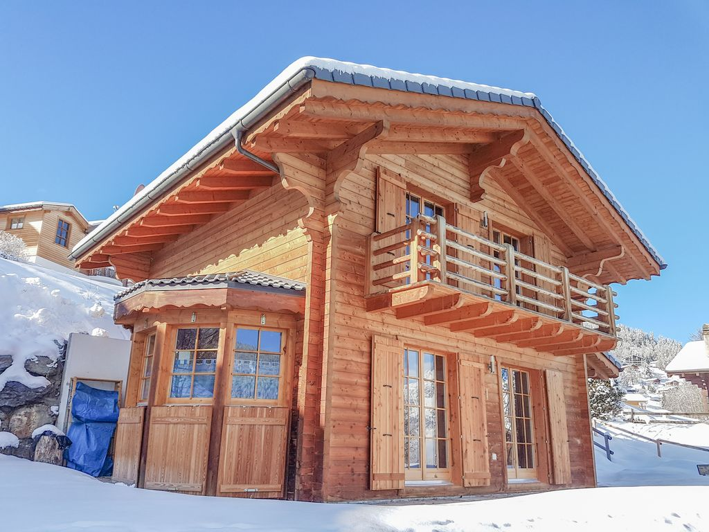 Chalet Colonia With Three Bedrooms, A Sauna And 15% Skipass Discount