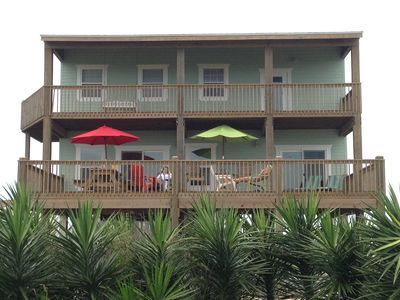 2 Story Beach House in Crystal Beach with view from street