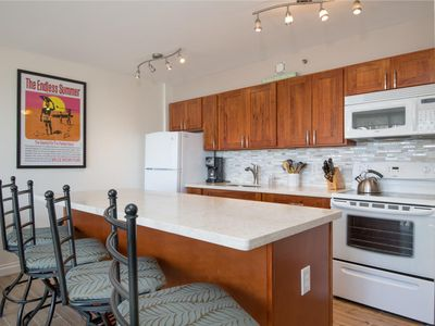 Photo for Awesome Ocean View Remodeled Waikiki Condo - Free Parking!