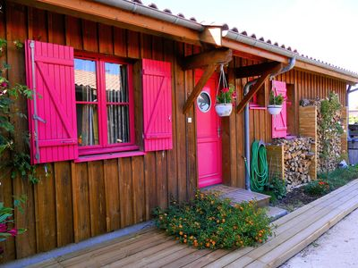 Photo for Rare: wooden house on the edge of the Bassin d'Arcachon