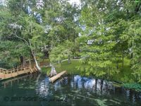 As advertised! Perfect location, awesome house, amazing view of the Rainbow River.