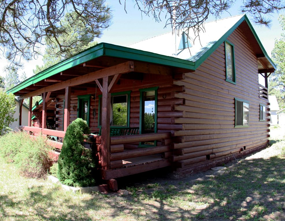 Cozy Traditional Cabin Close To Wolf Cre Vrbo