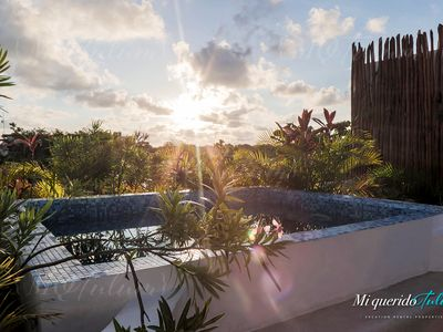 Photo for Deluxe Apartment Near Beach with Rooftop & Pool