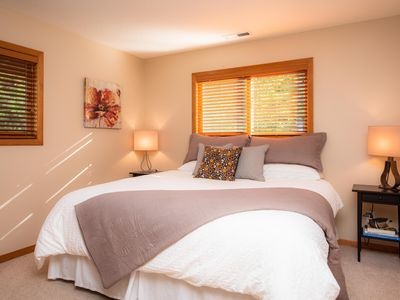 Photo for Hidden Hills Escape a wine country gem! 2 King bedrooms, 5min drive to downtown