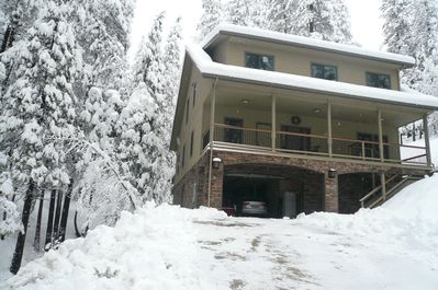 Beautiful, spacious mountain home in Pinebrook with private lake/recreation  area - Arnold