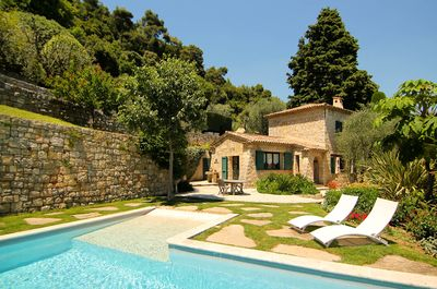 La Mouissone Guesthouse and swimming pool