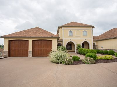 Photo for A Gorgeous 4 Bedroom Villa located at the amazing Branson Creek!