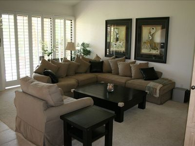 Photo for Beautiful unit, designer decorated! Great rates and location!