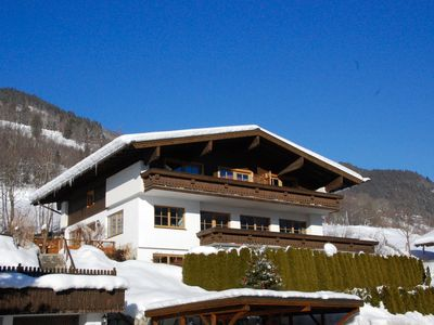 Photo for Cosy Edelweiss Spitze Apartment with private balcony & panoramic mountain views