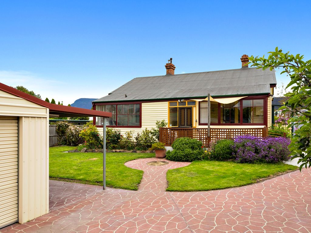 BILTON COTTAGE - Your MONA and touring home away from home