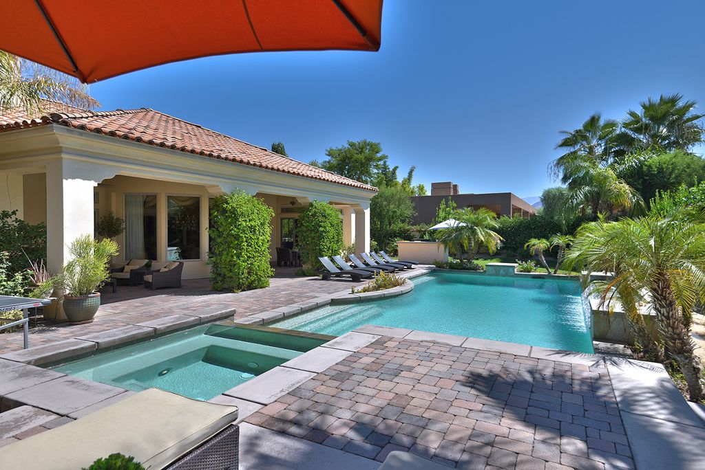 Luxury gated pool home large private back vrbo Red house hotel swimming pool
