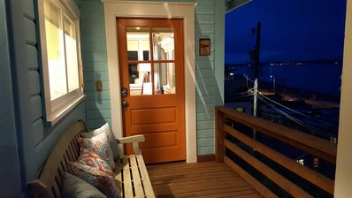 Welcome to Dragonfly Beach House, one block from Alki Beach!