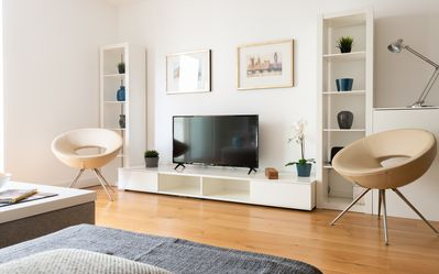 Photo for Fabulous 3 Bed 2 Bath Apartment near Victoria Station