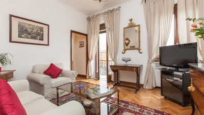 Photo for Ancient Rome View 2082 apartment in Centro Storico with air conditioning, balcony & lift.