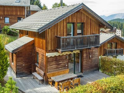 Photo for Detached chalet, beautifully situated in holiday park in the Salzburgerland
