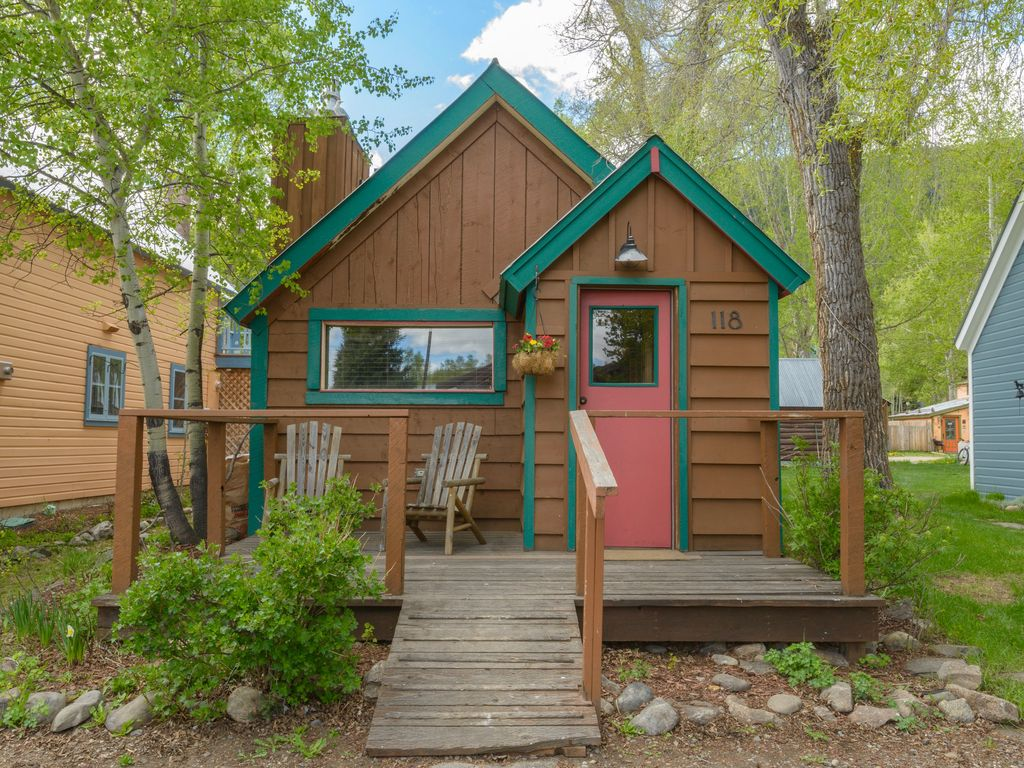 Perfect Cabin for 2 in Historic Town Center; 1 Blk to Ski Bus ...