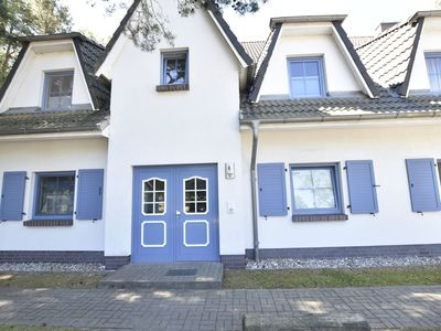 Photo for Spacious Apartment with Terrace in Dierhagen