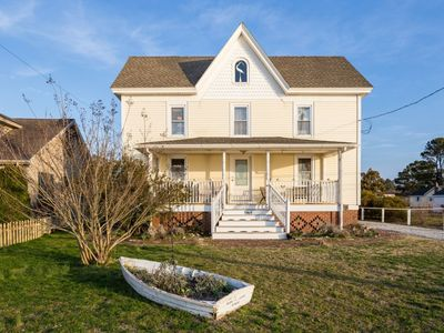 Photo for Discover the true essence of life on Chincoteague in this historic home.