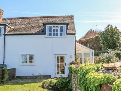 Photo for THE GARDEN ROOM, pet friendly in Blue Anchor, Ref 934762