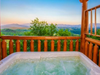 Photo for 10% BACK TO SCHOOL SPECIAL 7/6-8/30 3-nts or more!  Mtn Views, Hot Tub, Onsite Fitness Room & WiFi