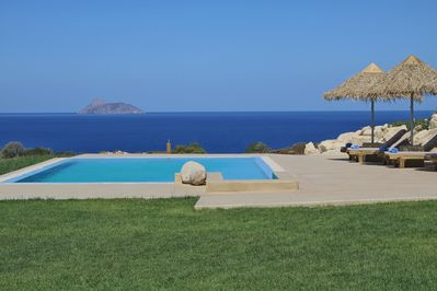 View from th swimming pool from Beachfront Villa Komos