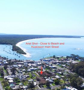 Photo for All Linen / Free Wi Fi and Netflix in Heart of Huskisson