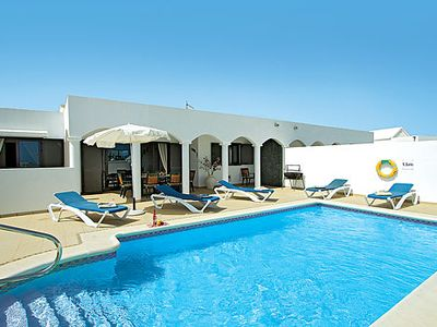 Photo for Conveniently located villa with a pool for ultimate enjoyment and sunbathing