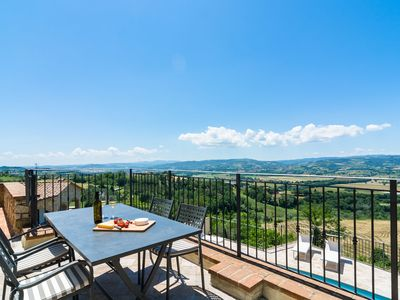 Photo for Deluxe Mansion in Umbria with a Pool