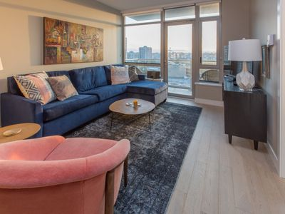 Photo for Elegant Executive Rental in Beautiful Downtown Victoria