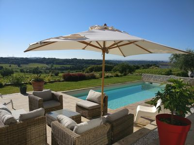 Photo for Villa with pool overlooking the vineyards
