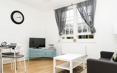 Photo for KINGS CROSS ST PANCRAS MORDERN AND COSY APT