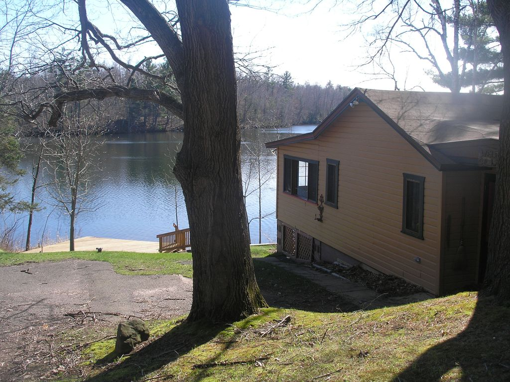 Secluded lake front cabin on one of wisconsin 39 s premiere for Wisconsin fishing resorts with boat rentals